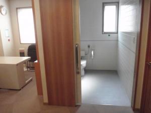 車椅子利用者用トイレ入り口